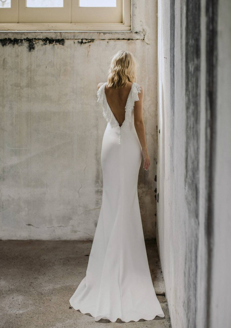 Billie (Crepe) By Made With Love Wedding Dress - Size 8