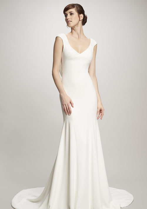 Daria By THEIA Wedding Dress / Size 20