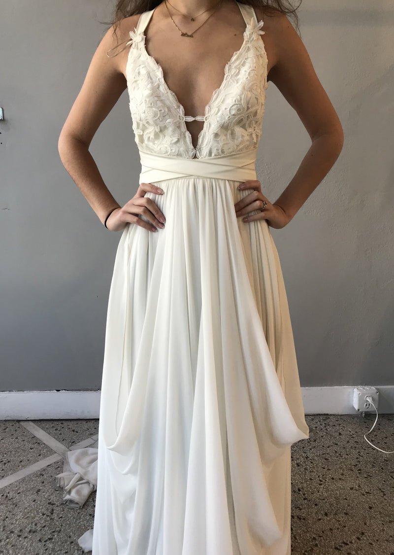 Rebecca By Truvelle Wedding Dress - Size 4