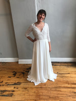Alannah By Truvelle Wedding Dress - Size 6