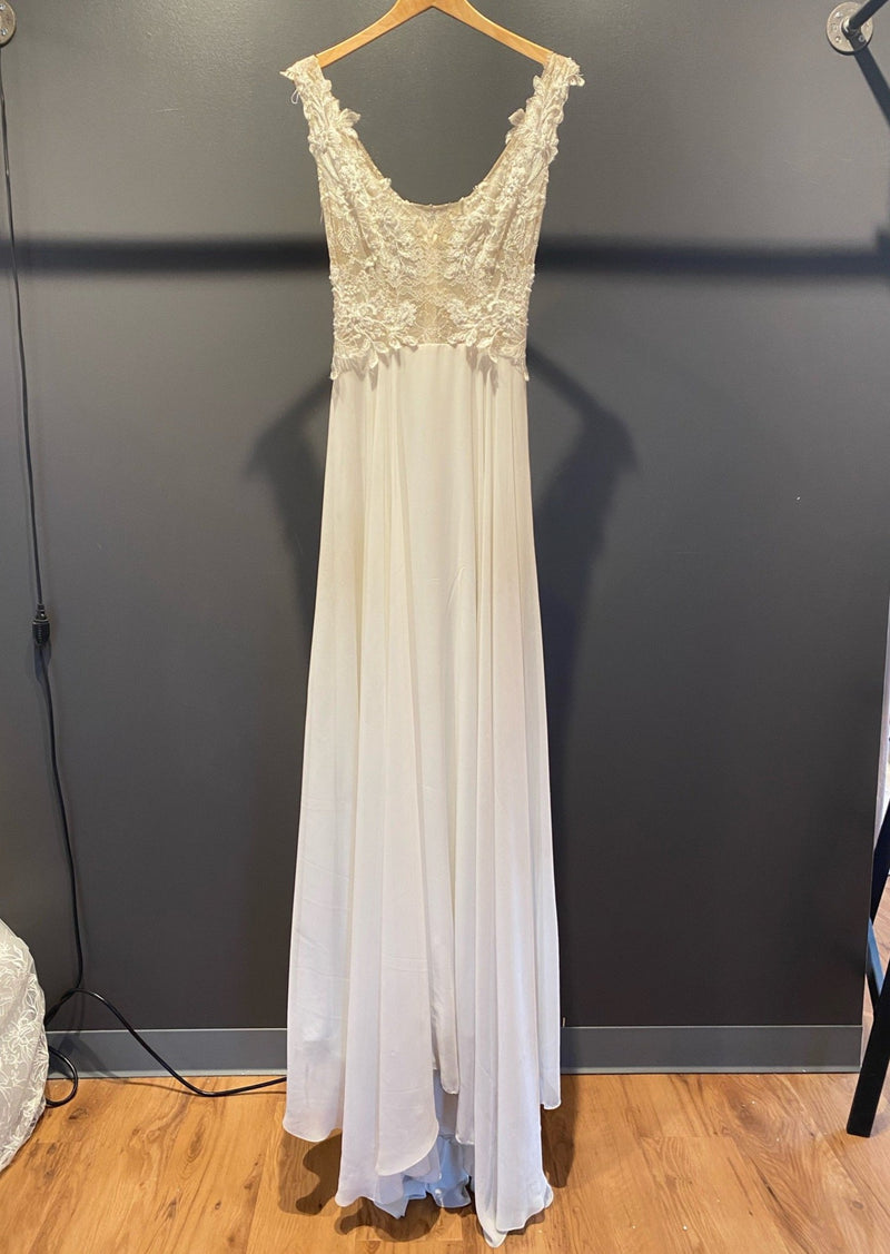 Moment By Ines Di Santo Wedding Dress - Size 6