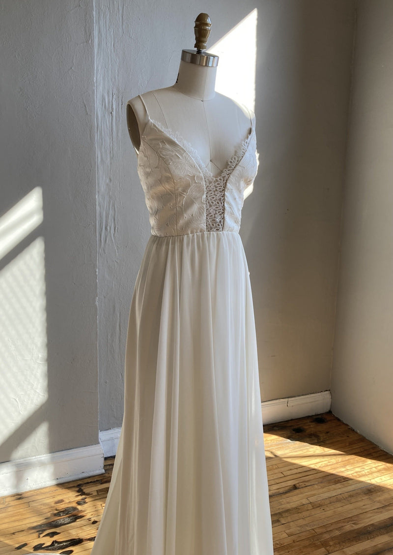 Meredith (Custom) By Truvelle Wedding Dress - Size 20