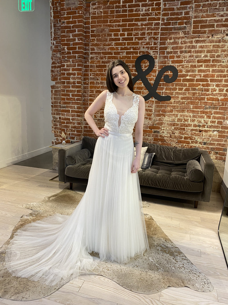 Cleo By Rish Wedding Dress / Size 22