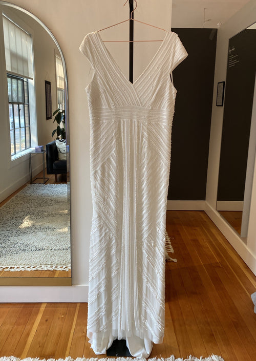 Renee By THEIA Wedding Dress / Size 18