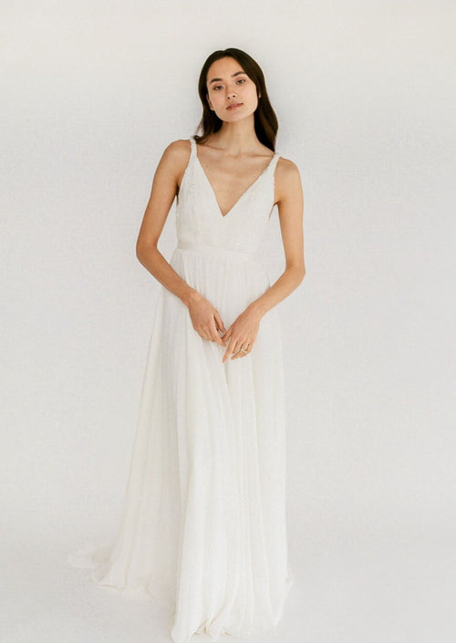 Cecelia By Truvelle Wedding Dress - Size 18