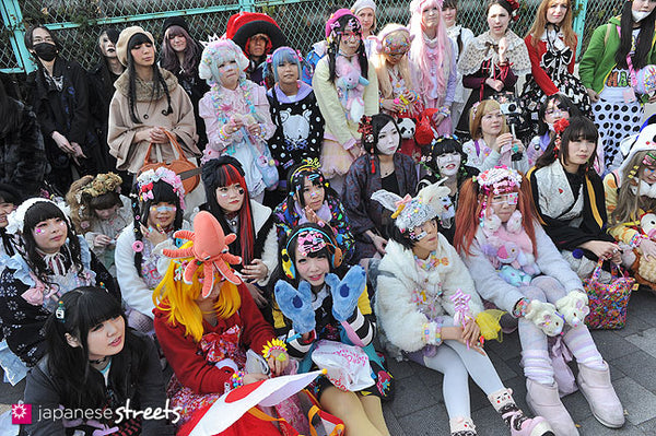 Tyranny Of Majority >> What Japanese Street Fashion Is All About