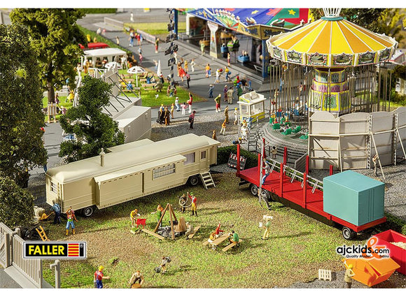 Faller 140480 - Set of funfair caravans I
