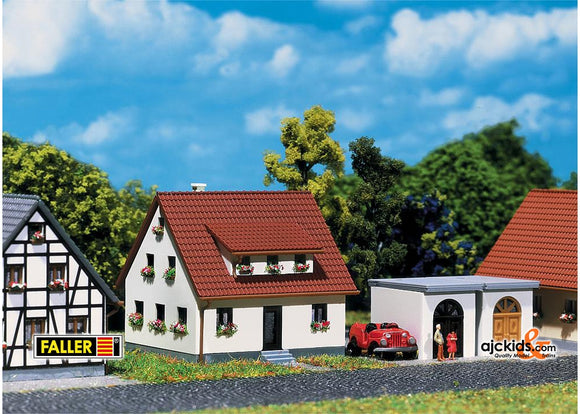 Faller 282762 - Development house with garage
