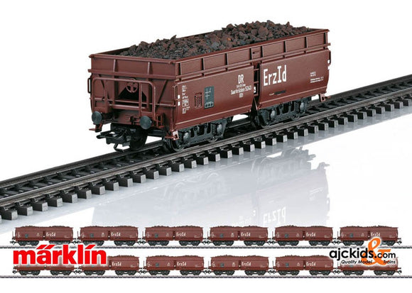 Marklin 00722 - Display with 24 Erz Id Hopper Cars in H0 Scale