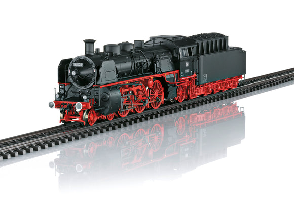 Marklin 39034 - Express Train Steam Locomotive BR18.5 in H0 Scale
