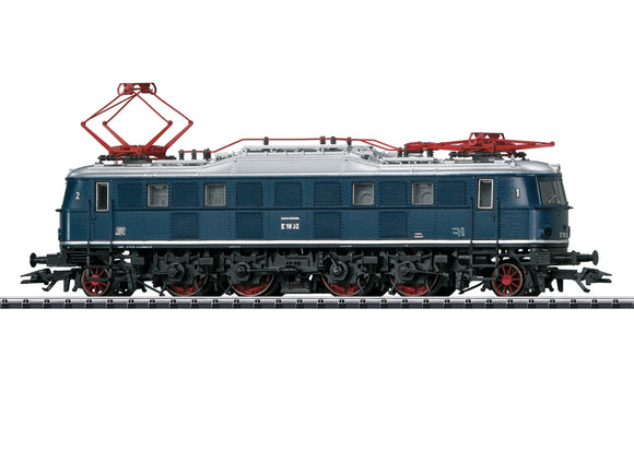 Trix 22451 - Class E 18 Electric Locomotive