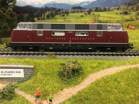 Trix 22754 - Digital DB cl V 200.0 Diesel Locomotive
