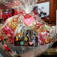 Load image into Gallery viewer, Lovers Gift Basket