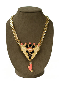 MINADEO NECKLACE WITH CORAL HAND