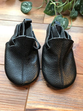 Load image into Gallery viewer, Zutano Black Leather Baby Shoe