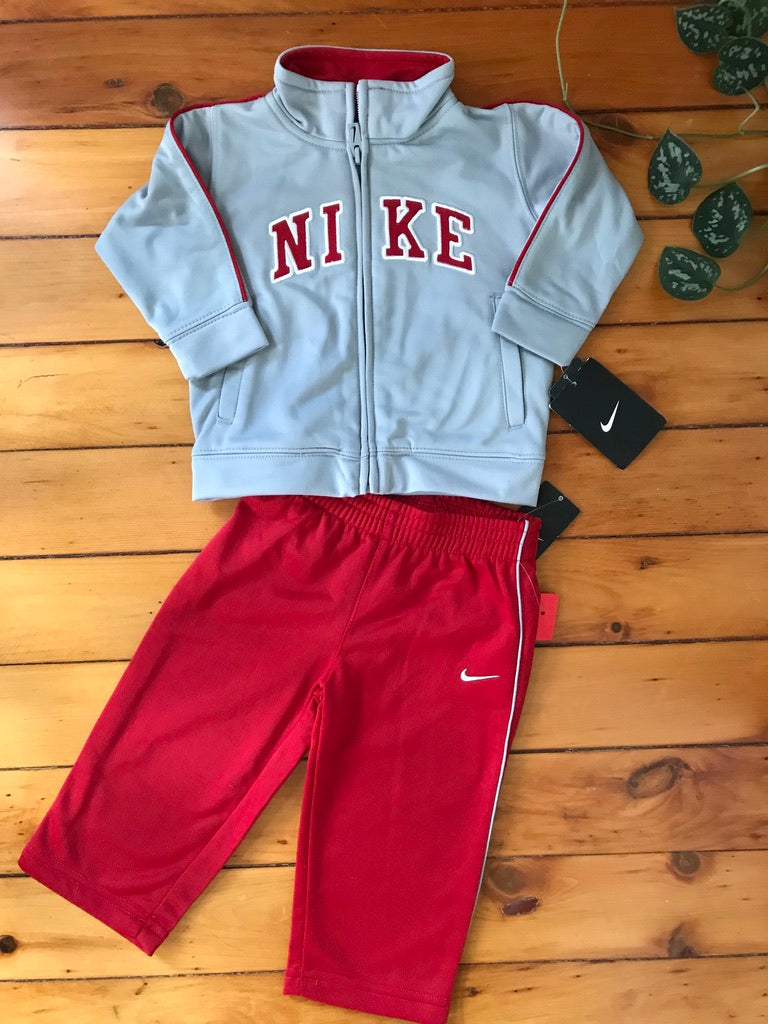 Nike Warm Up Set