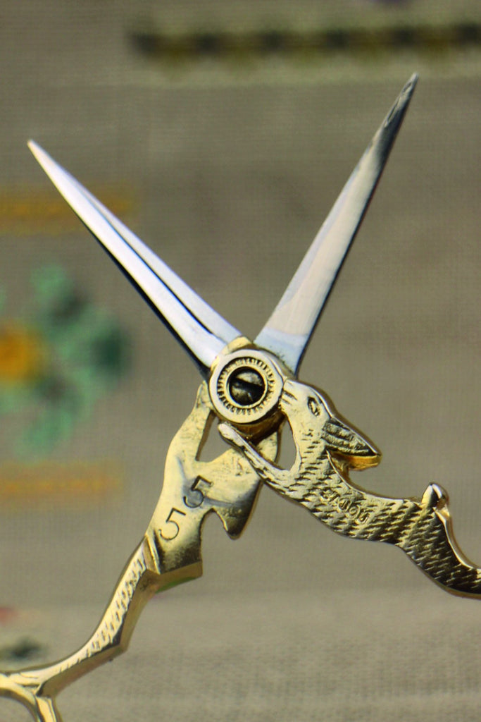 Sajou Lièvre Gilded Embroidery Scissors - The Needle Store