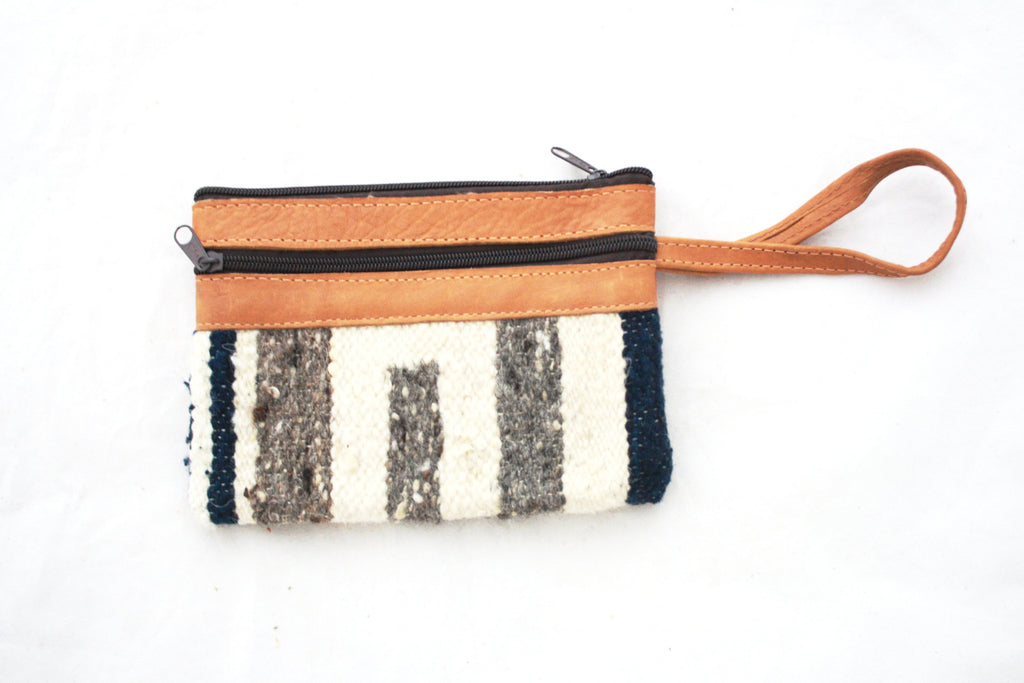 Leather and Alfombra Clutch-Marino