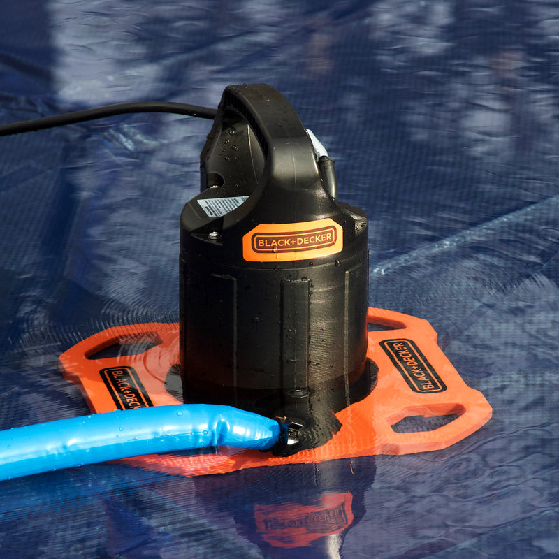 BLACK+DECKER 1500 GPH Automatic Water Removal Winter Submersible Swimming Pool Cover Pump with 25 Foot Power Cord and 30 Foot Discharge Hose