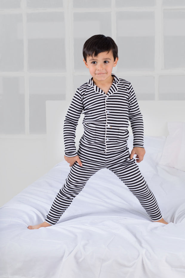 Ribbed grandfather  pajamas in black striped 1
