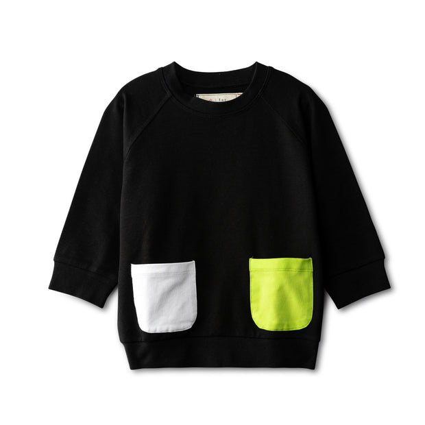 Black top with pocket accent - neon green 1