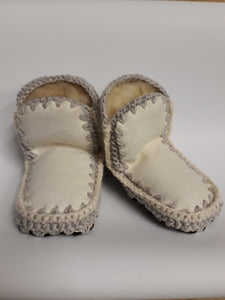 CHILDS SLIPPER - Woolshed Gallery