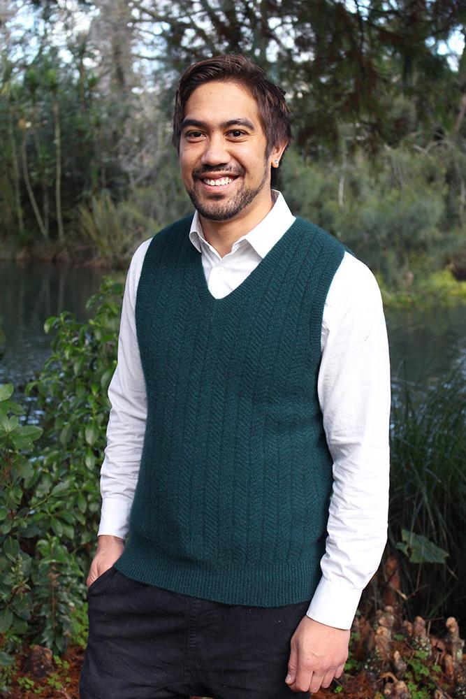 MEN'S PULLOVER VEST - Woolshed Gallery
