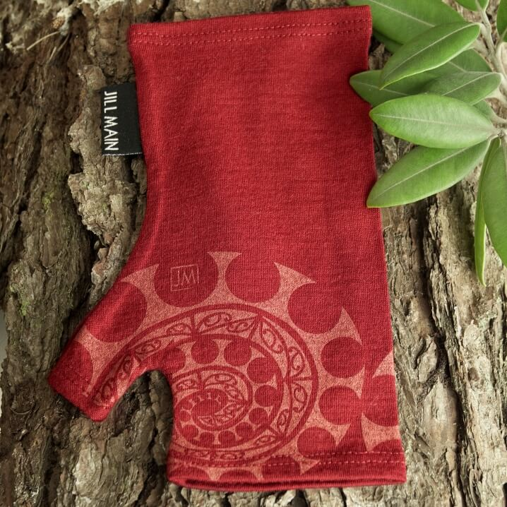 AOTEAROA SPIRAL MERINO MITTS - Woolshed Gallery