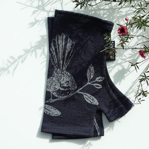 FANTAIL MERINO MITTS- SHORT - Woolshed Gallery