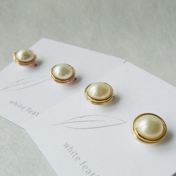 White Shell Pearl Earstuds/ 8mm