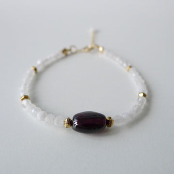Arya Bracelet / Garnet and Moonstone