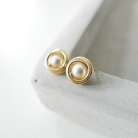 Small Nested Earstuds / White Faux Pearl