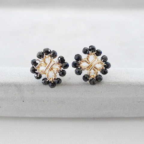 Four-Leaf lover Earstuds / Faceted Black Spinel