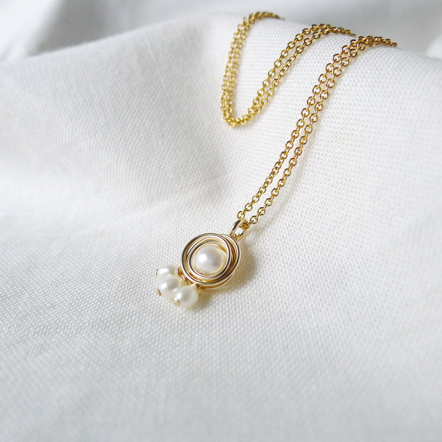 Pebble Necklace / Fresh Water Pearls