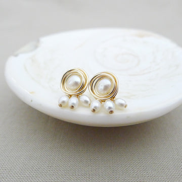 Pebble Earstuds / Fresh Water Pearls