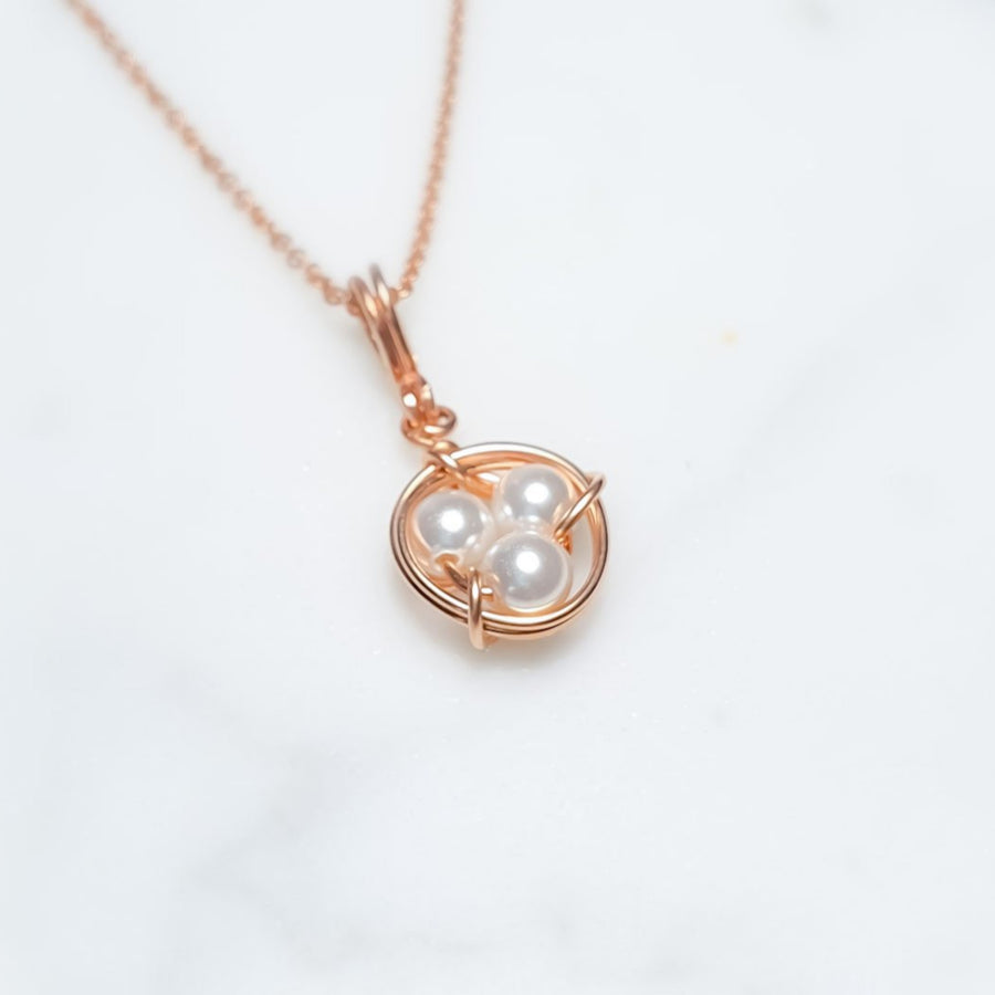 Little Bird Nest Necklace / White Shell Pearl