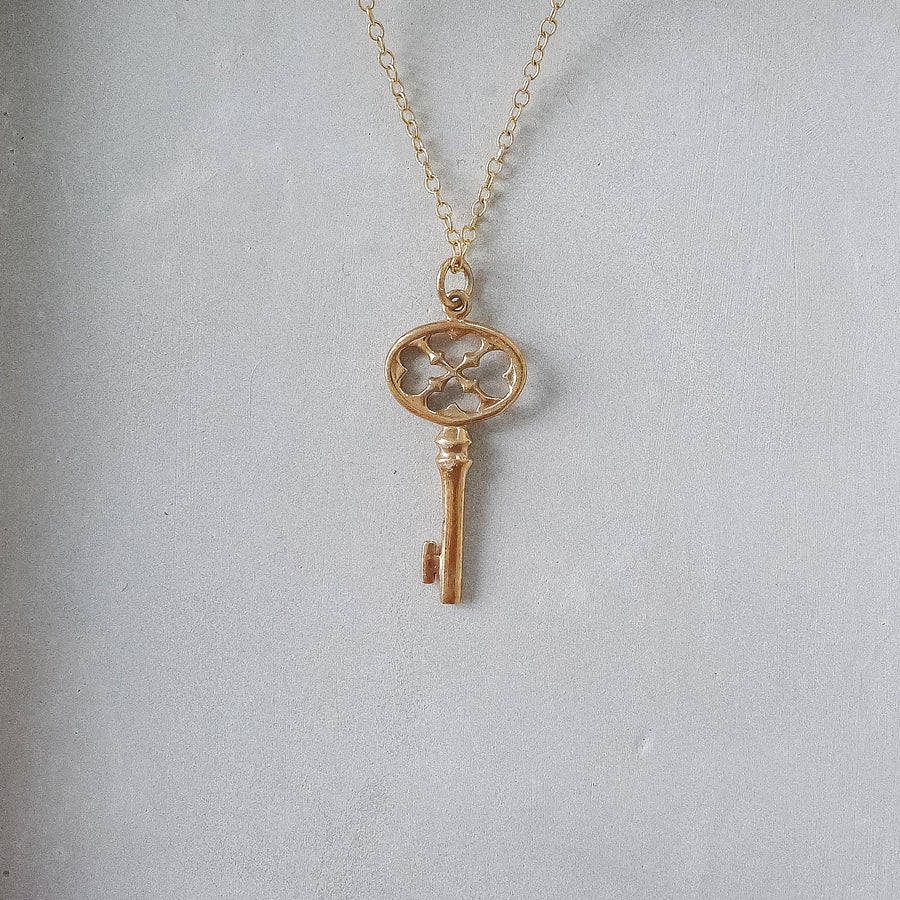 Lucky Key Necklace / Natural Bronze
