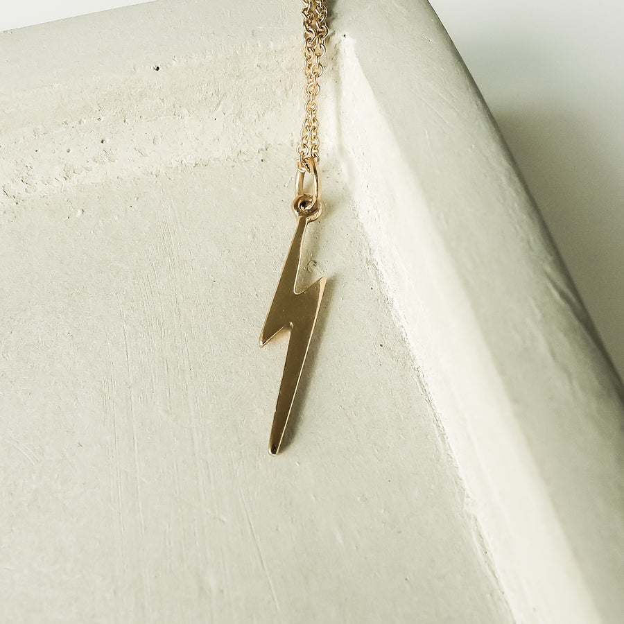 Lighting Charm Necklace / Natural Bronze
