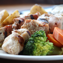Load image into Gallery viewer, Chicken Souvlaki Dinner