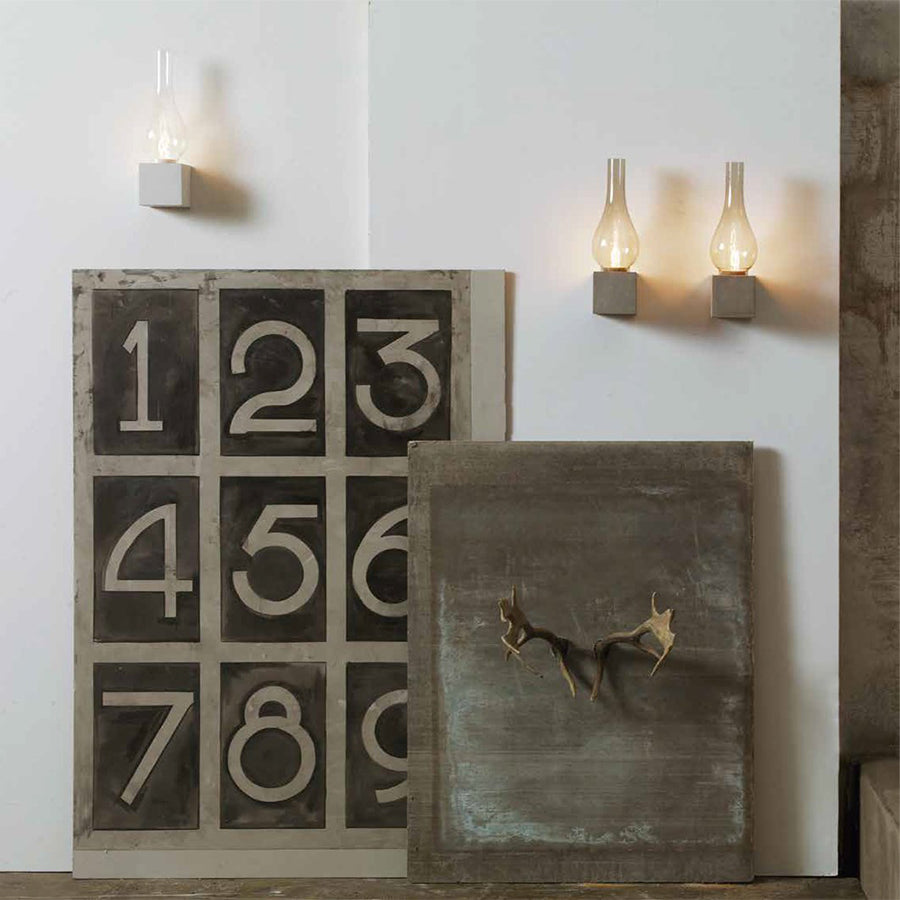 Amarcord Wall Lamp in White Concrete