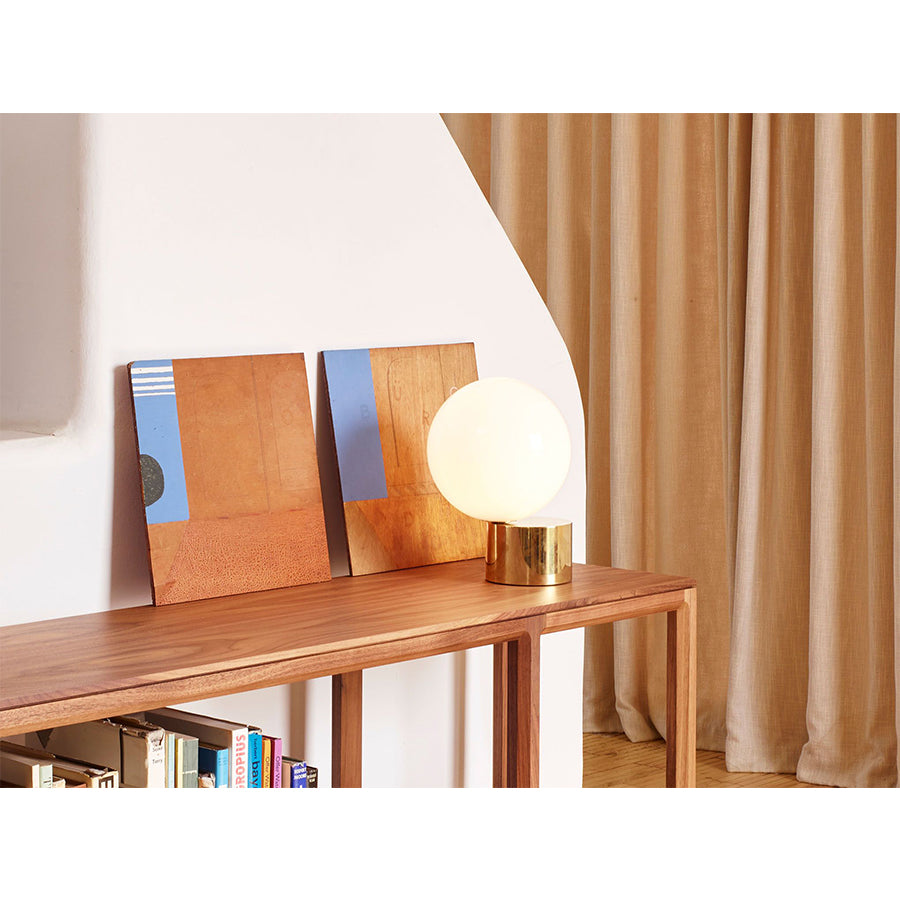 Tip of the tongue Table Lamps