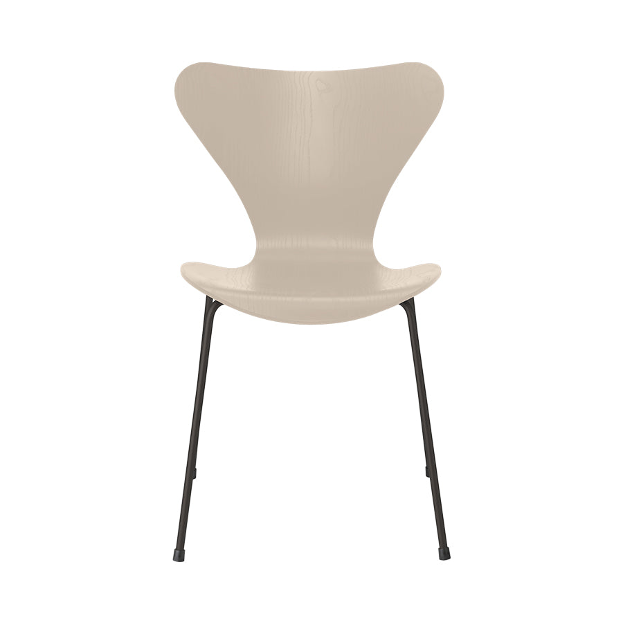FRITZ HANSEN Series 7 3107 Chair, 500w x 520d x 820h mm, Frame Warm Graphite, Shell Light Beige Coloured Ash 135