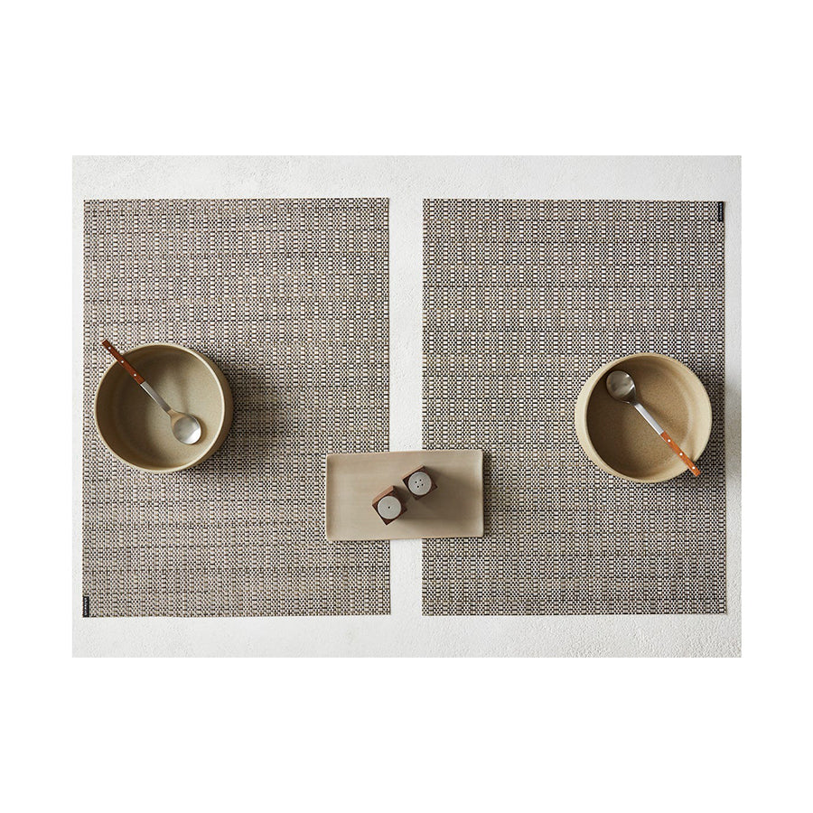 Thatch Rectangle Placemat in Umber