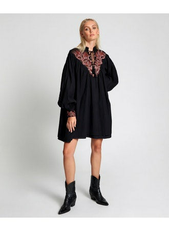 No:24151 | Name:Embroidered Gypsy Roamer Dress | Color:Black【ONE TEASPOON】【入荷予定アイテム・入荷連絡可能】