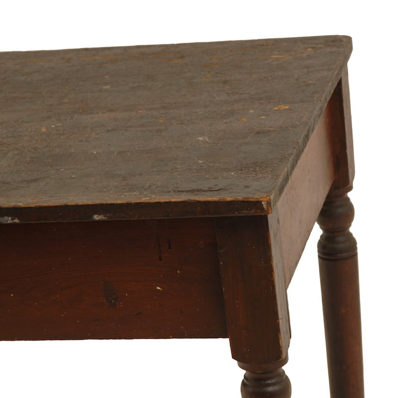 Everly Table