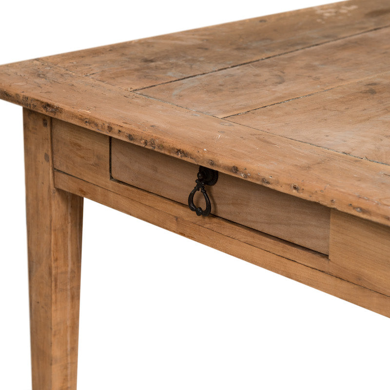 Manilla Table