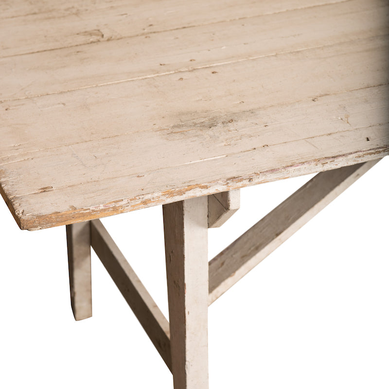 Powderly Table