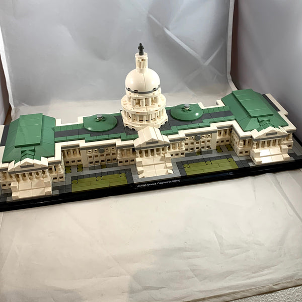 21030 United States Capitol Building [USED]