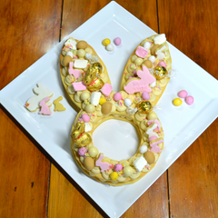 Image of Easter cookie cake completed