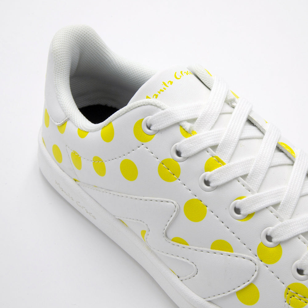 Load image into Gallery viewer, Closure with laces Timeless Pois Yellow - Sustainable Shoe